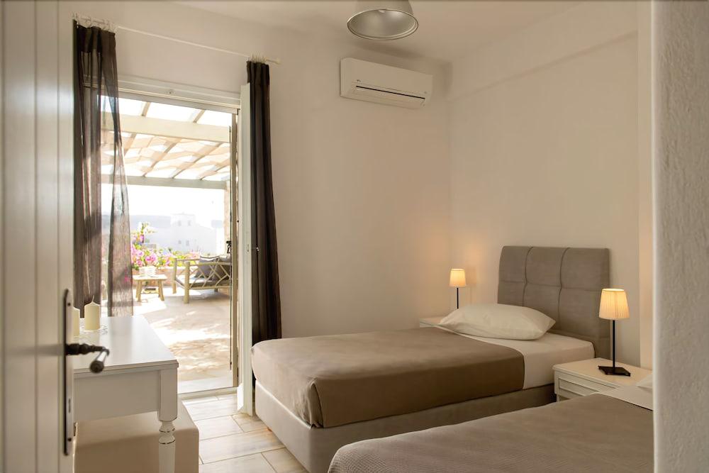 스타고네스 럭셔리 빌라(Stagones Luxury Villas) Hotel Image 7 - Guestroom