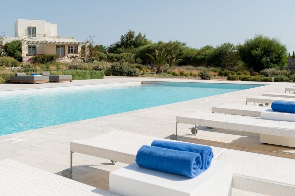 스타고네스 럭셔리 빌라(Stagones Luxury Villas) Hotel Image 54 - Outdoor Pool