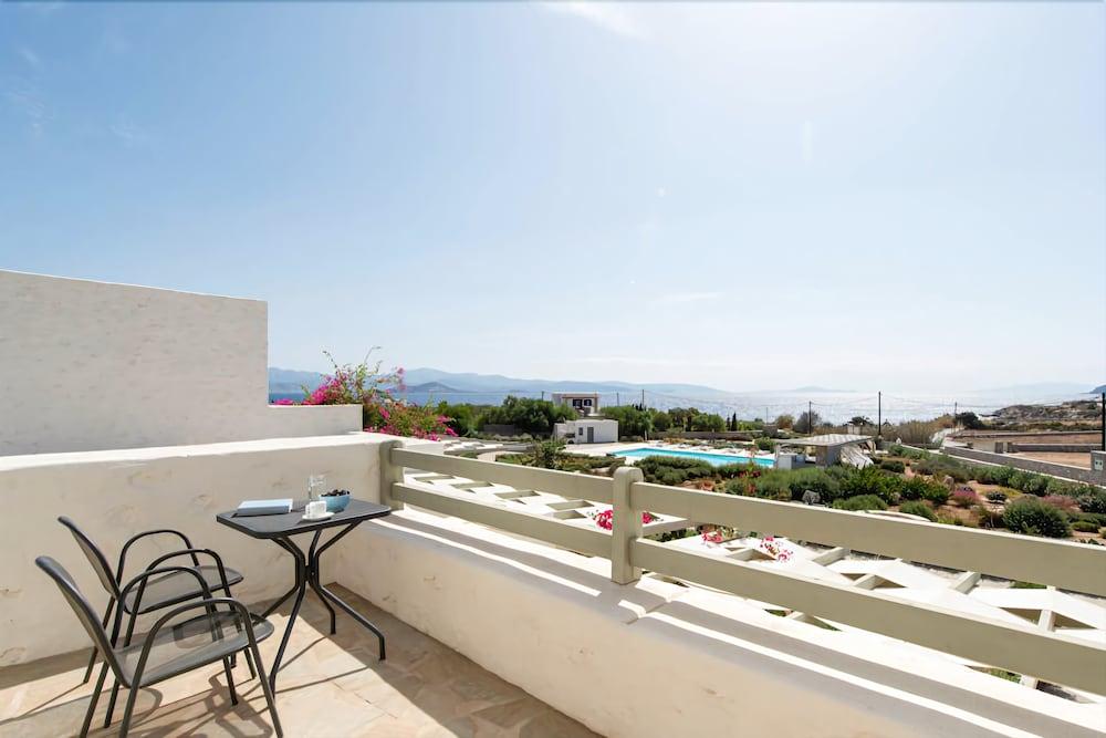 스타고네스 럭셔리 빌라(Stagones Luxury Villas) Hotel Image 34 - Balcony