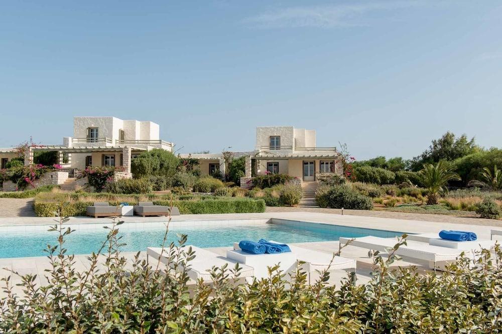 스타고네스 럭셔리 빌라(Stagones Luxury Villas) Hotel Image 56 - Outdoor Pool
