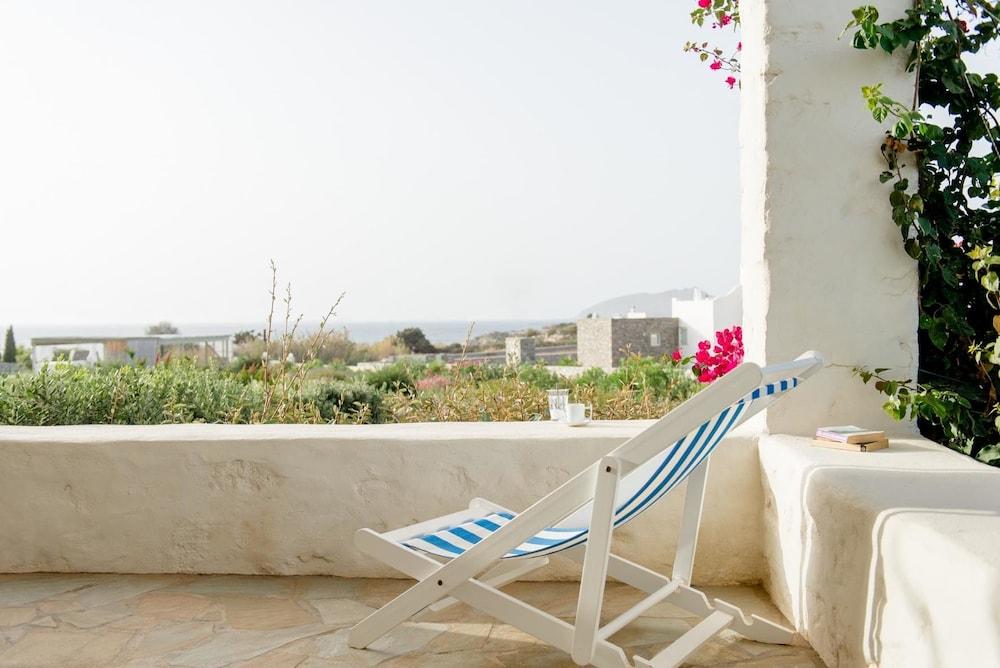 스타고네스 럭셔리 빌라(Stagones Luxury Villas) Hotel Image 38 - Balcony