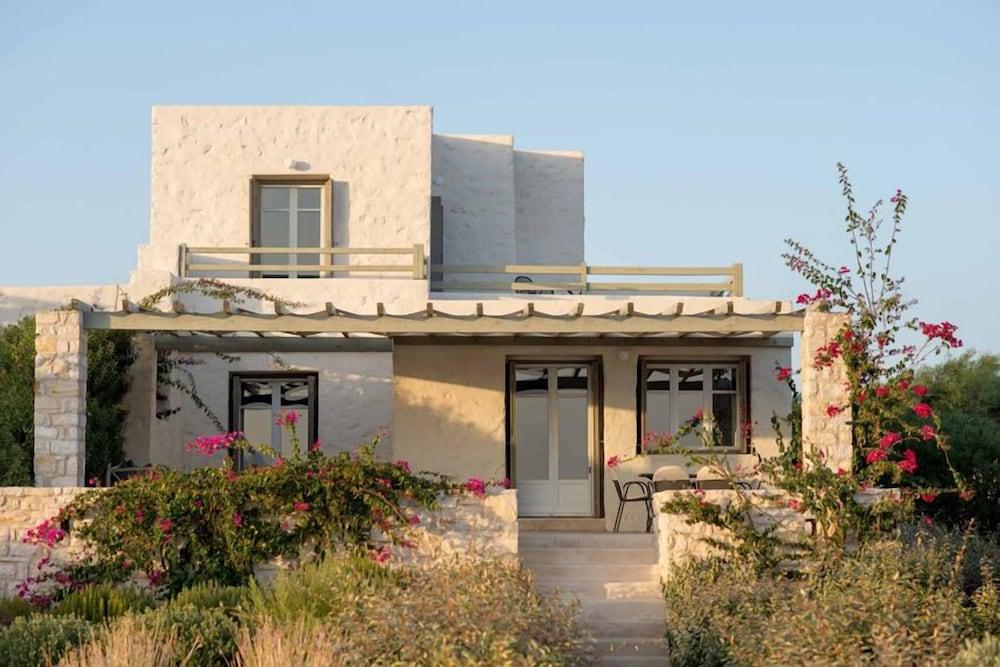 스타고네스 럭셔리 빌라(Stagones Luxury Villas) Hotel Image 74 - Exterior