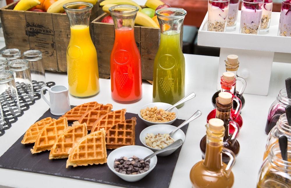 코트야드 파나마 앳 메트로몰 몰(Courtyard Panama at Metromall Mall) Hotel Image 50 - Food and Drink