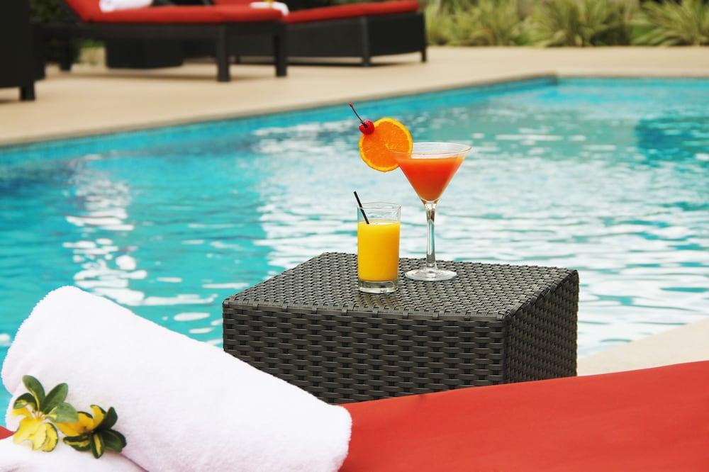 코트야드 파나마 앳 메트로몰 몰(Courtyard Panama at Metromall Mall) Hotel Image 19 - Outdoor Pool