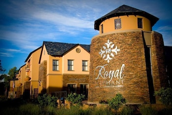 The Royal Elephant Hotel & Conference Centre