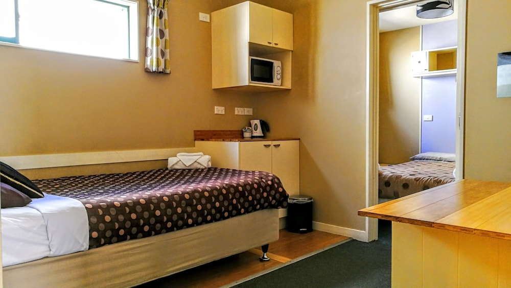 어스트레이 모텔 앤드 백팩커스(Astray Motel & Backpackers) Hotel Image 27 - Guestroom