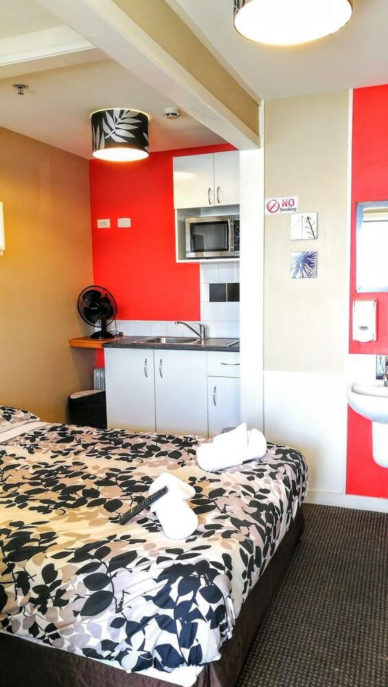 어스트레이 모텔 앤드 백팩커스(Astray Motel & Backpackers) Hotel Image 34 - Guestroom