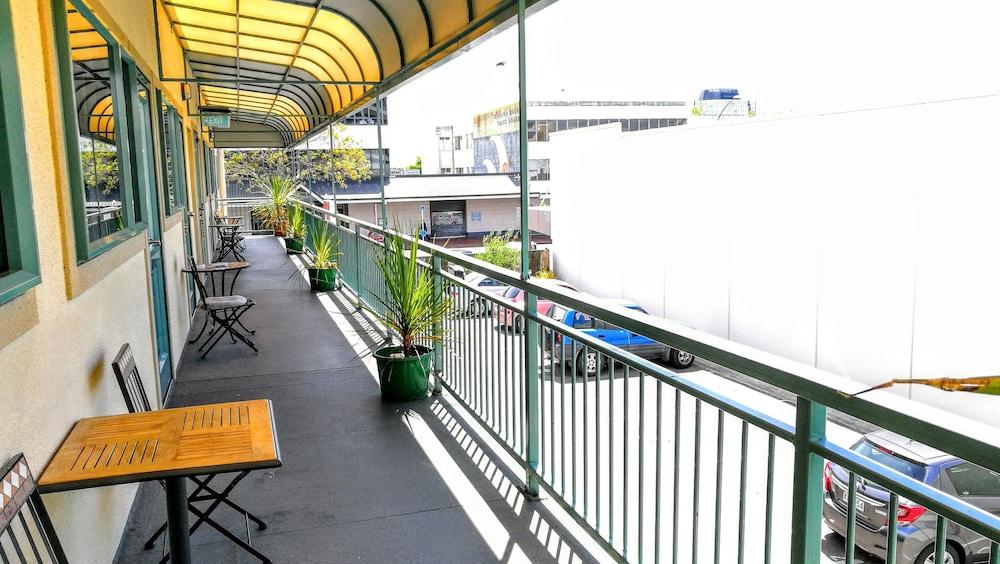 어스트레이 모텔 앤드 백팩커스(Astray Motel & Backpackers) Hotel Image 62 - Exterior