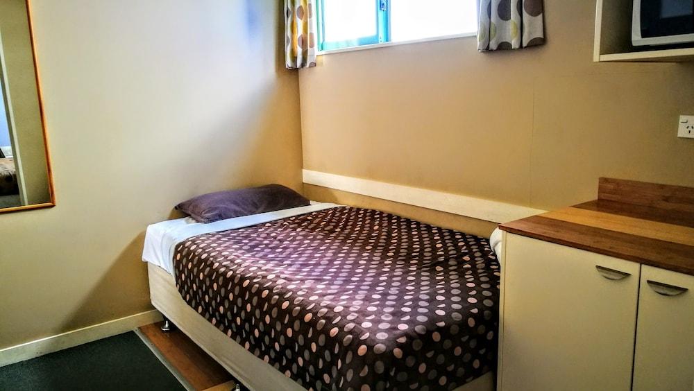 어스트레이 모텔 앤드 백팩커스(Astray Motel & Backpackers) Hotel Image 28 - Guestroom