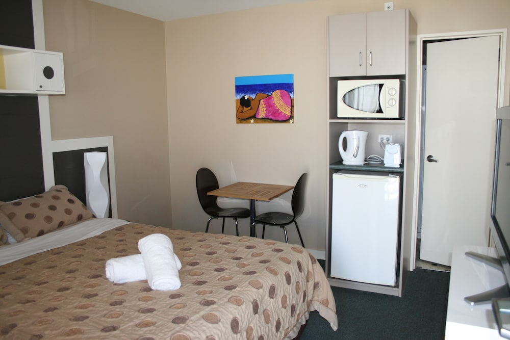 어스트레이 모텔 앤드 백팩커스(Astray Motel & Backpackers) Hotel Image 11 - Guestroom