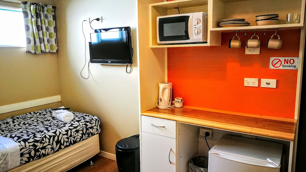 어스트레이 모텔 앤드 백팩커스(Astray Motel & Backpackers) Hotel Image 29 - Guestroom