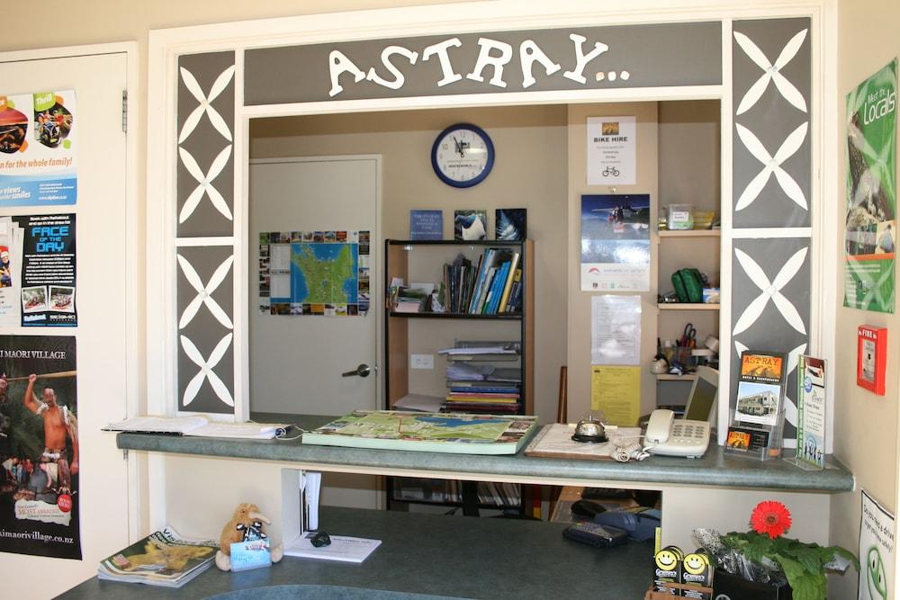 어스트레이 모텔 앤드 백팩커스(Astray Motel & Backpackers) Hotel Image 32 - Reception