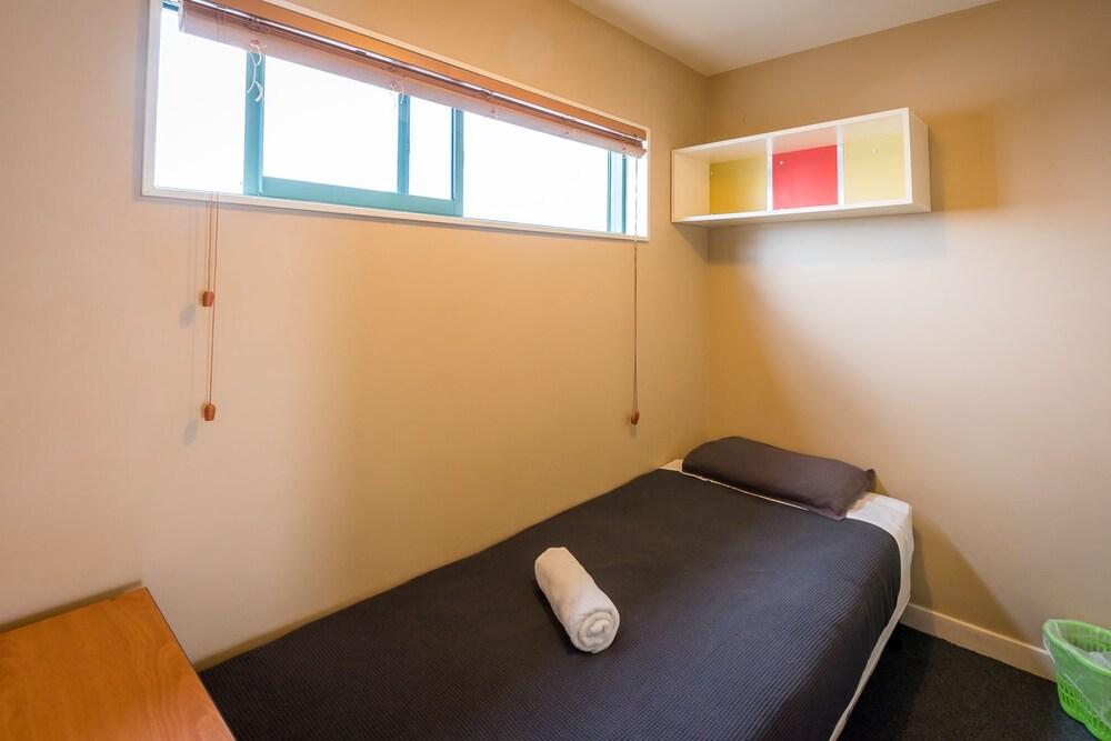 어스트레이 모텔 앤드 백팩커스(Astray Motel & Backpackers) Hotel Image 19 - Guestroom