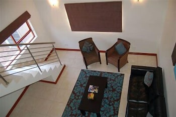 https://i.travelapi.com/hotels/5000000/4320000/4316700/4316676/ebae5c1a_b.jpg
