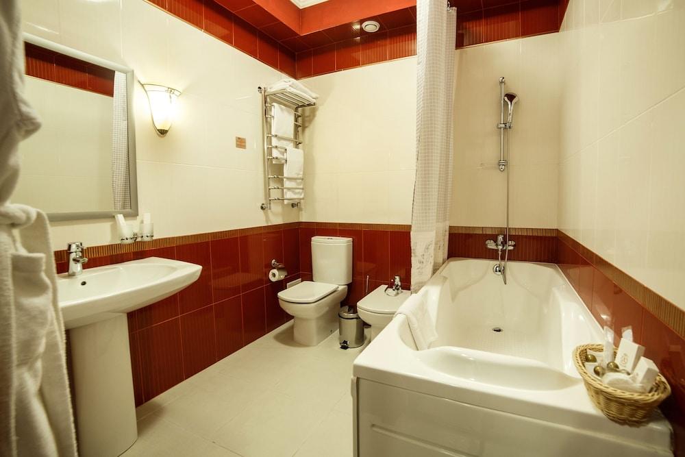 파크 호텔 유럽(Park Hotel Europe) Hotel Image 24 - Bathroom