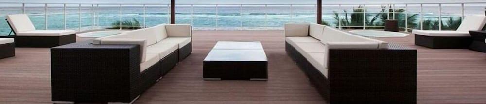 워터마크 럭셔리 오션프런트 올 스위트 호텔(Watermark Luxury Oceanfront All Suite Hotel) Hotel Image 13 - Property Grounds