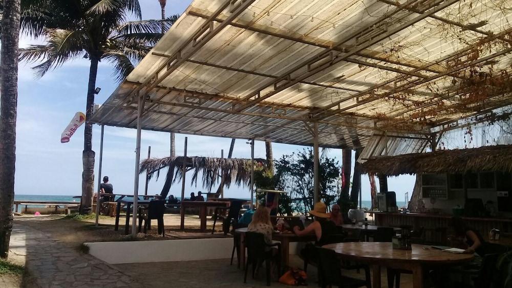 워터마크 럭셔리 오션프런트 올 스위트 호텔(Watermark Luxury Oceanfront All Suite Hotel) Hotel Image 11 - Breakfast Area