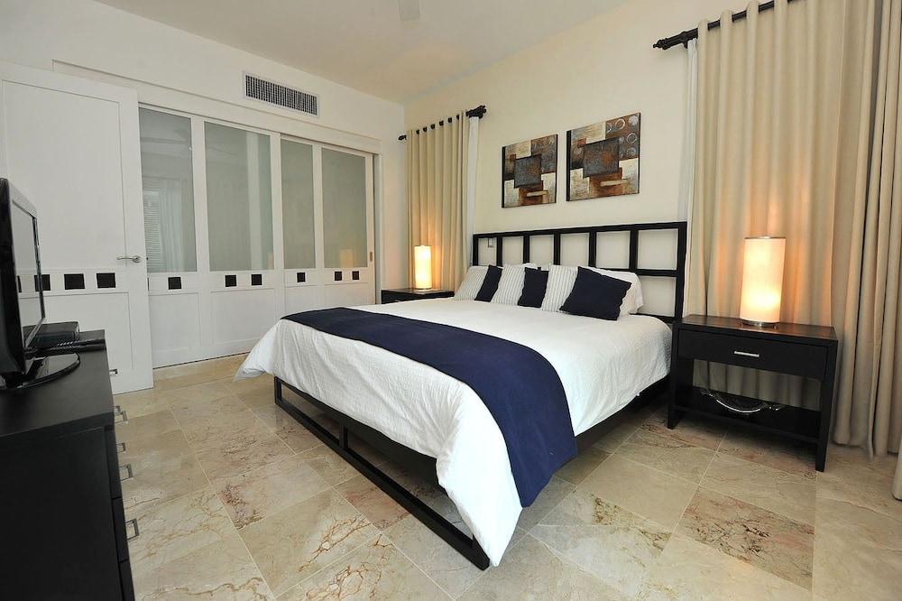 워터마크 럭셔리 오션프런트 올 스위트 호텔(Watermark Luxury Oceanfront All Suite Hotel) Hotel Image 7 - Guestroom