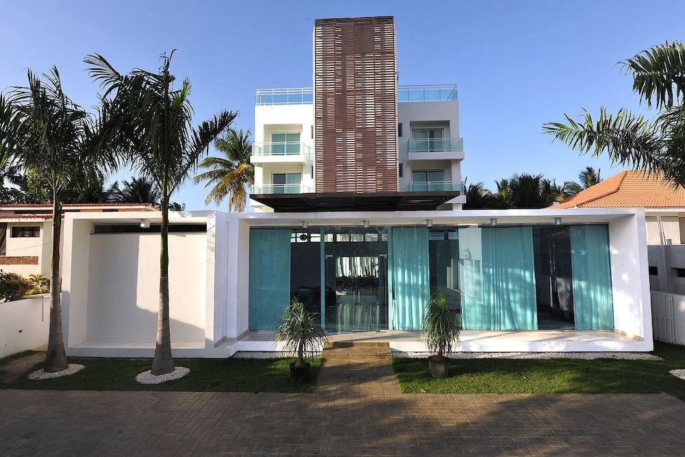 워터마크 럭셔리 오션프런트 올 스위트 호텔(Watermark Luxury Oceanfront All Suite Hotel) Hotel Image 9 - Exterior