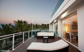 워터마크 럭셔리 오션프런트 올 스위트 호텔(Watermark Luxury Oceanfront All Suite Hotel) Hotel Image 14 - Balcony