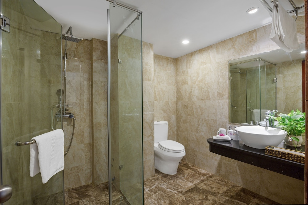 스플렌디드 스타 그랜드 호텔(Splendid Star Grand Hotel) Hotel Image 52 - Bathroom