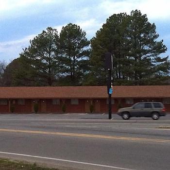 리젠시 인 볼드 노브(Regency Inn Bald Knob) Hotel Image 15 - Exterior