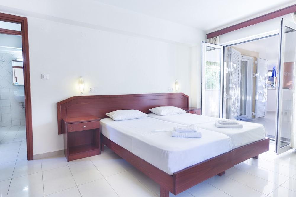 아르테미스 아파트먼트(Artemis Apartments) Hotel Image 9 - Guestroom