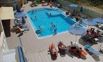 아르테미스 아파트먼트(Artemis Apartments) Hotel Image 48 - Outdoor Pool