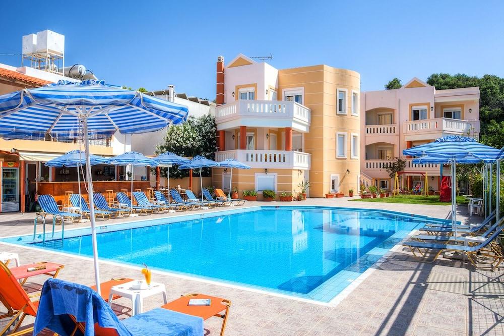 아르테미스 아파트먼트(Artemis Apartments) Hotel Image 50 - Outdoor Pool