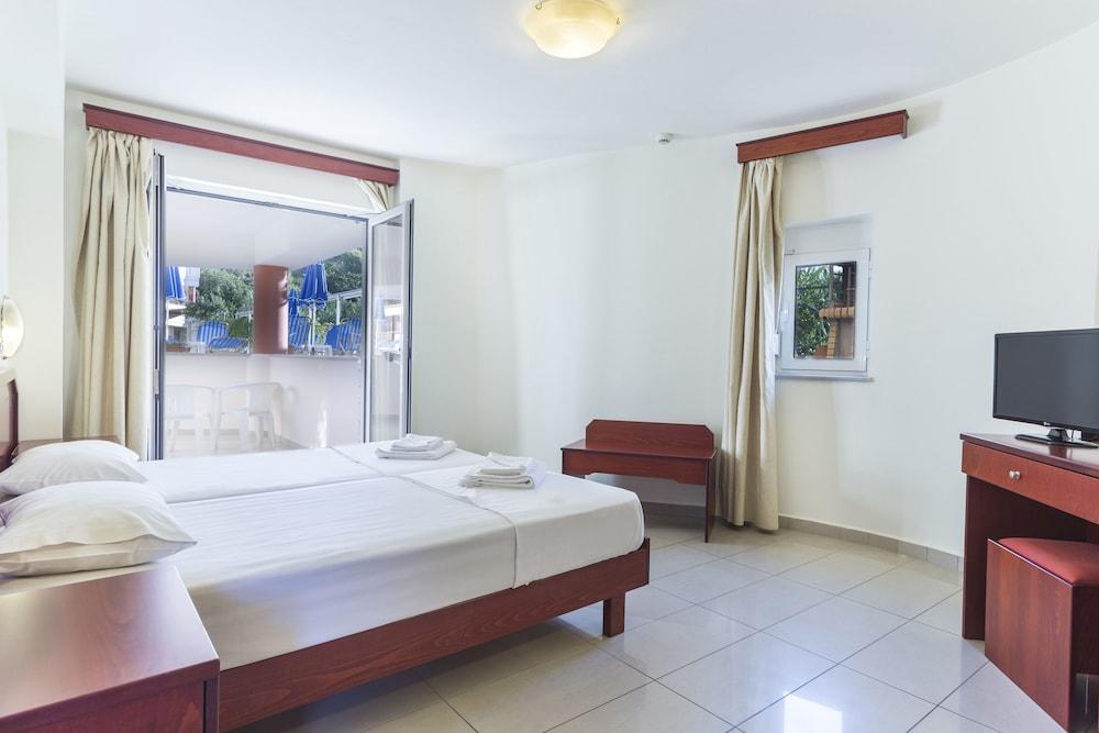아르테미스 아파트먼트(Artemis Apartments) Hotel Image 11 - Guestroom