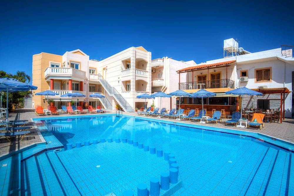 아르테미스 아파트먼트(Artemis Apartments) Hotel Image 49 - Outdoor Pool