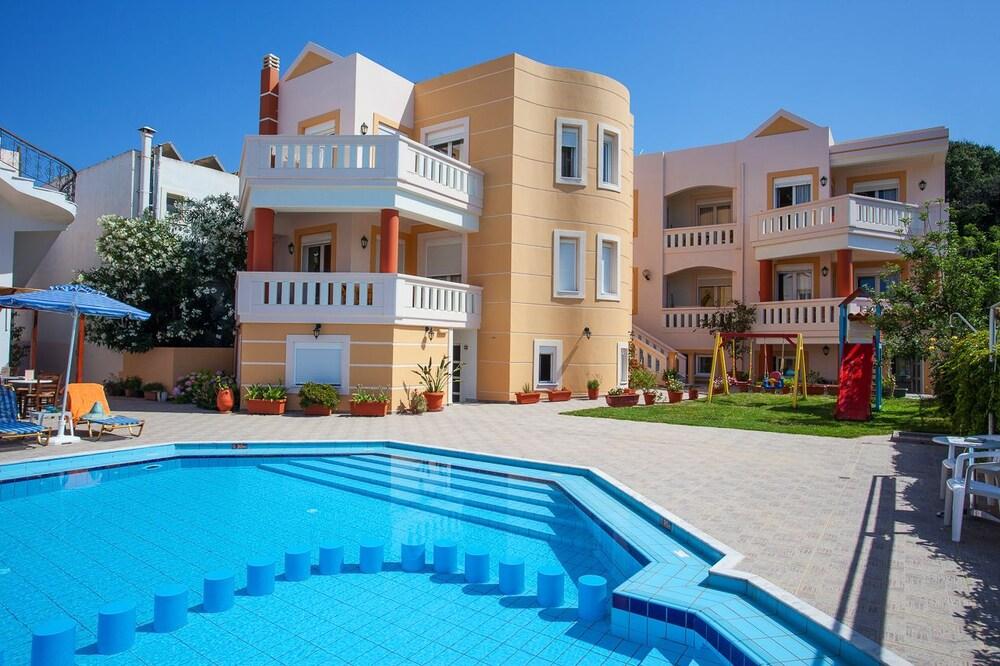 아르테미스 아파트먼트(Artemis Apartments) Hotel Image 52 - Outdoor Pool