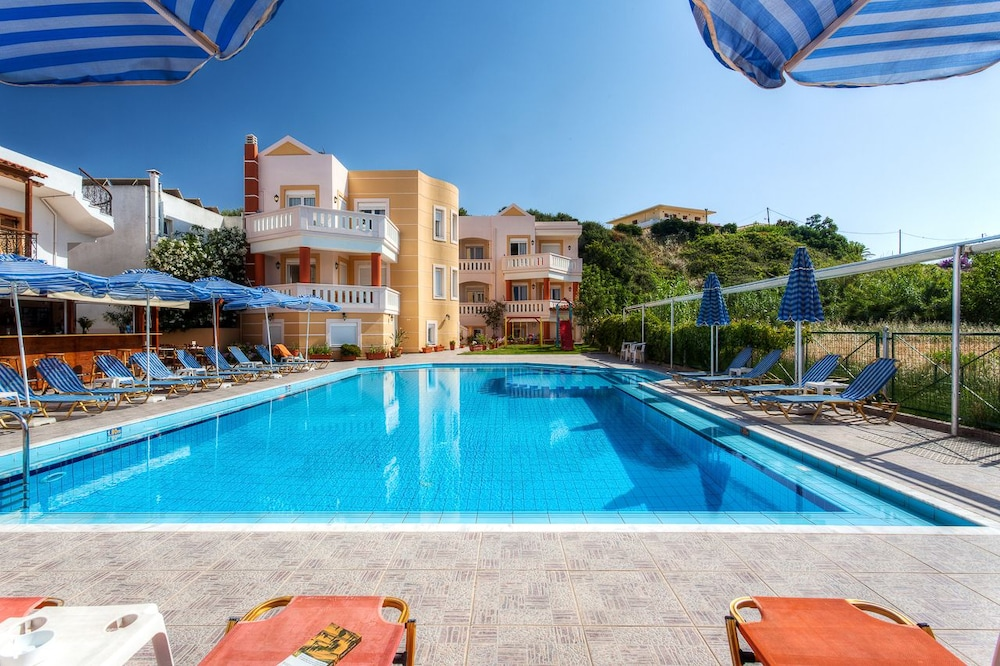 아르테미스 아파트먼트(Artemis Apartments) Hotel Image 53 - Outdoor Pool