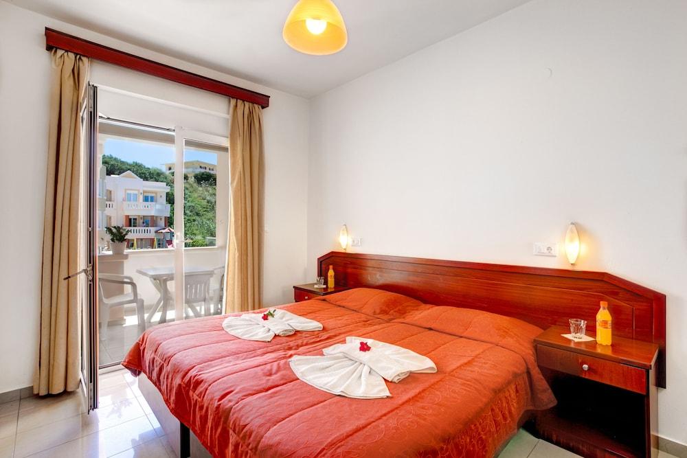 아르테미스 아파트먼트(Artemis Apartments) Hotel Image 4 - Guestroom
