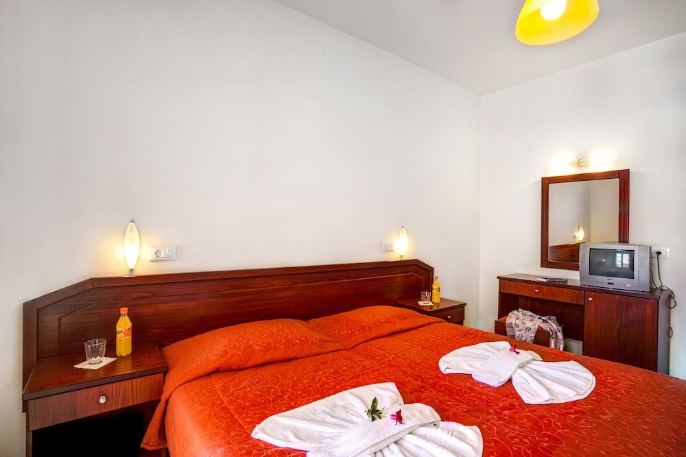 아르테미스 아파트먼트(Artemis Apartments) Hotel Image 5 - Guestroom