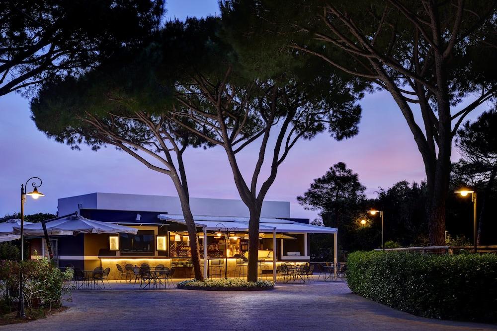 리바 델 솔레 리조트 앤드 스파(Riva del Sole Resort & Spa) Hotel Image 47 - Hotel Bar