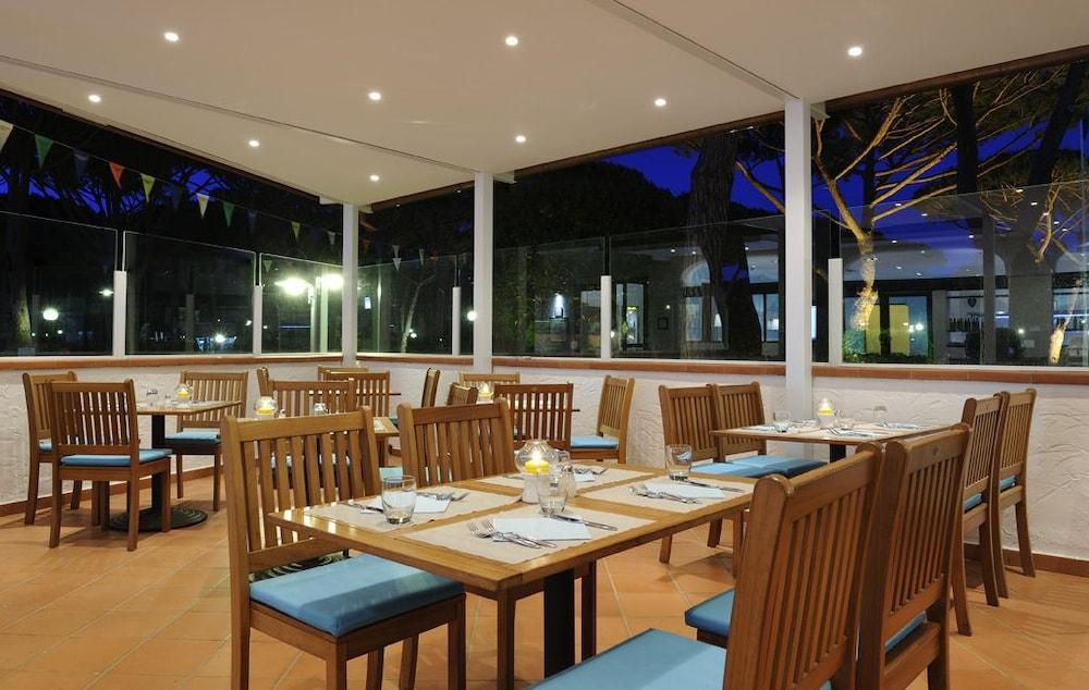 리바 델 솔레 리조트 앤드 스파(Riva del Sole Resort & Spa) Hotel Image 38 - Restaurant