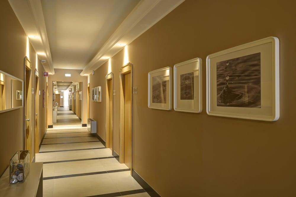 리바 델 솔레 리조트 앤드 스파(Riva del Sole Resort & Spa) Hotel Image 48 - Hallway