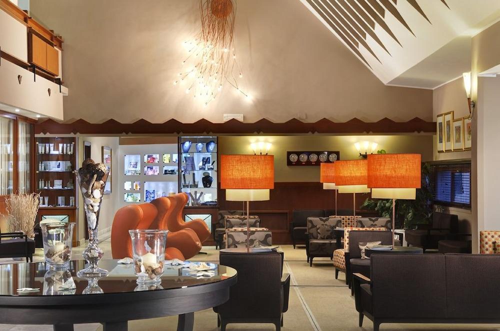 리바 델 솔레 리조트 앤드 스파(Riva del Sole Resort & Spa) Hotel Image 2 - Lobby Lounge