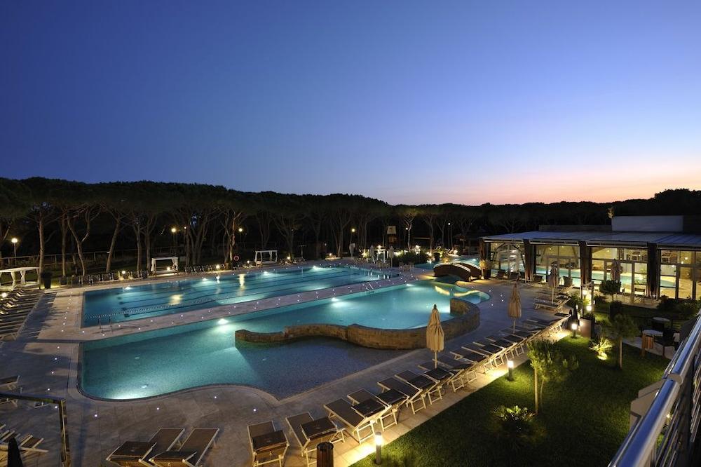 리바 델 솔레 리조트 앤드 스파(Riva del Sole Resort & Spa) Hotel Image 22 - Outdoor Pool