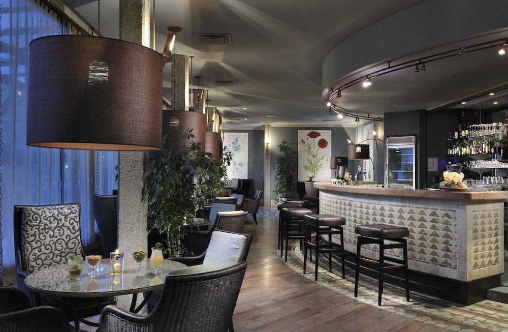 리바 델 솔레 리조트 앤드 스파(Riva del Sole Resort & Spa) Hotel Image 42 - Hotel Bar