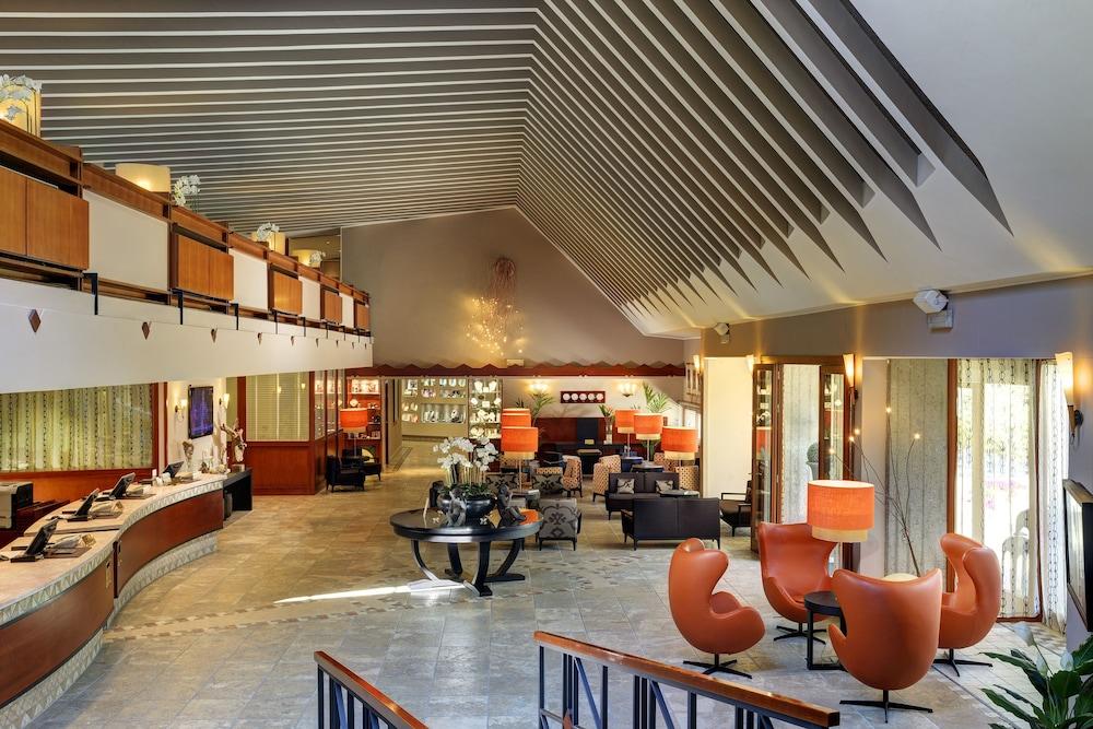리바 델 솔레 리조트 앤드 스파(Riva del Sole Resort & Spa) Hotel Image 3 - Lobby Lounge