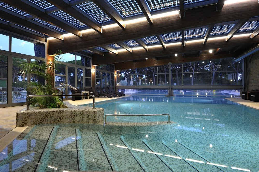 리바 델 솔레 리조트 앤드 스파(Riva del Sole Resort & Spa) Hotel Image 20 - Indoor Pool