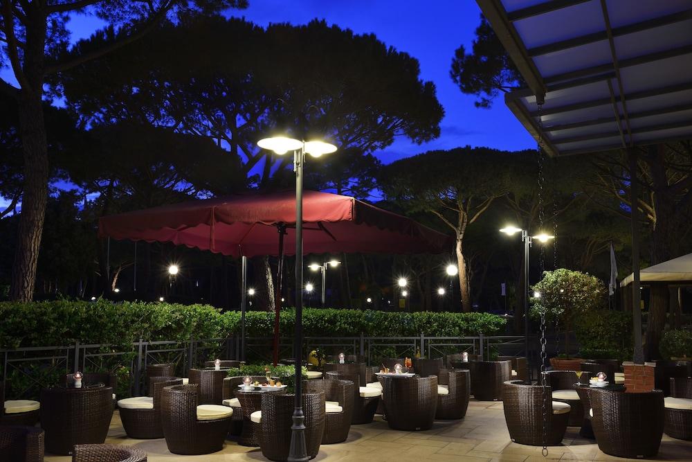 리바 델 솔레 리조트 앤드 스파(Riva del Sole Resort & Spa) Hotel Image 46 - Hotel Bar