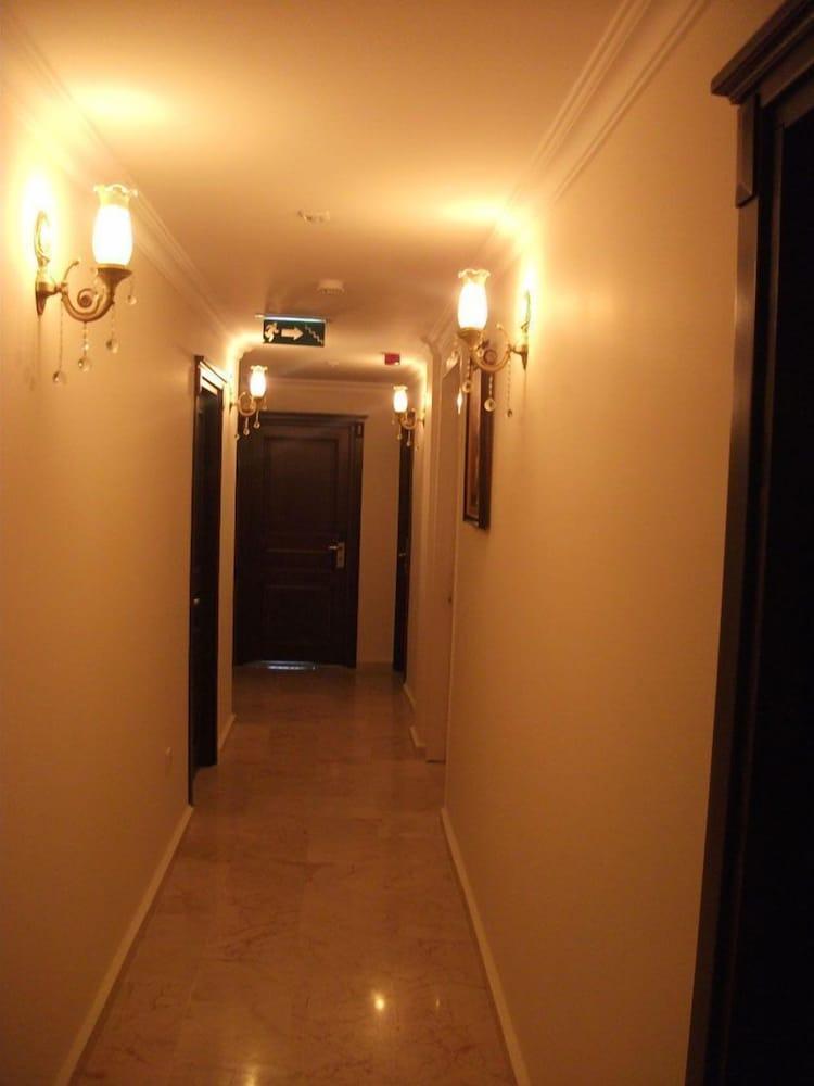 술탄 팰리스 호텔(Sultan Palace Hotel) Hotel Image 52 - Hallway