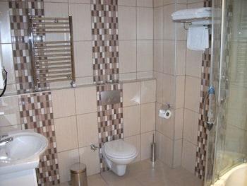 술탄 팰리스 호텔(Sultan Palace Hotel) Hotel Image 35 - Bathroom