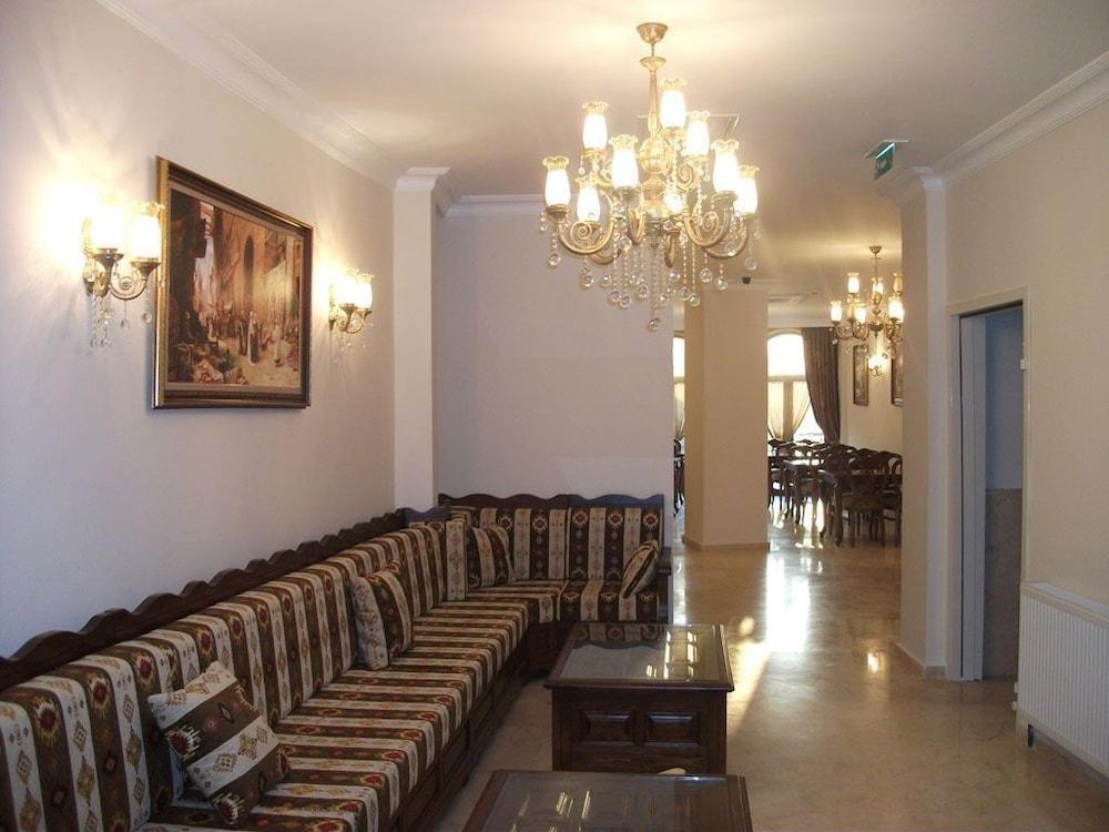 술탄 팰리스 호텔(Sultan Palace Hotel) Hotel Image 2 - Lobby Sitting Area