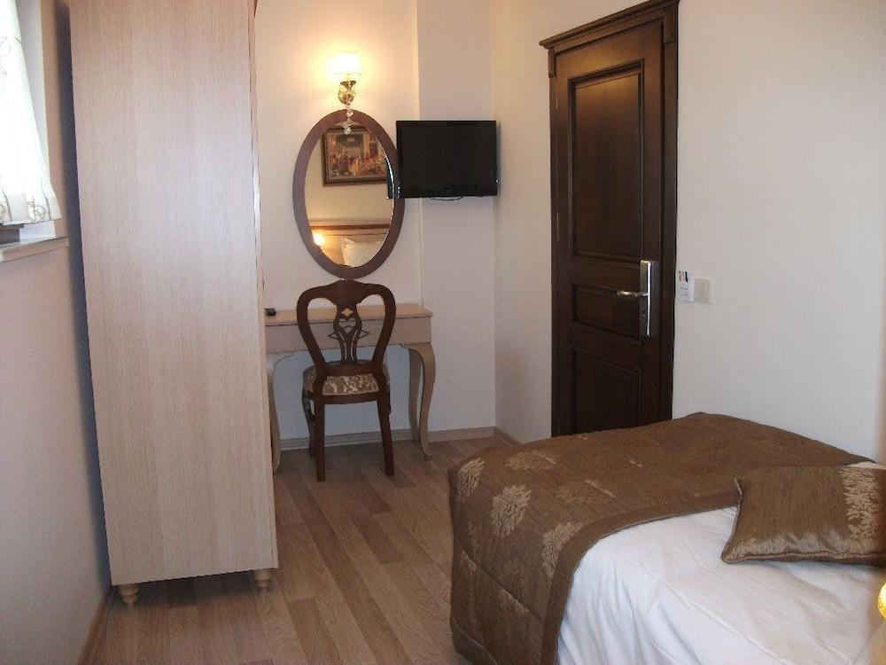 술탄 팰리스 호텔(Sultan Palace Hotel) Hotel Image 32 - In-Room Amenity