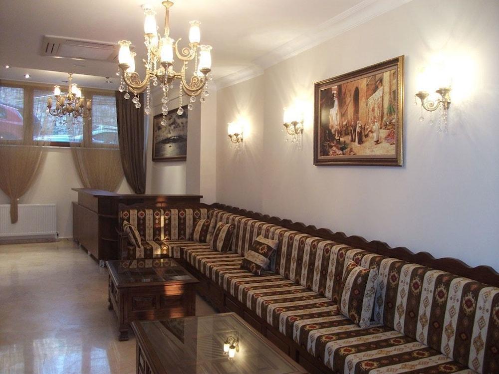 술탄 팰리스 호텔(Sultan Palace Hotel) Hotel Image 1 - Lobby Sitting Area