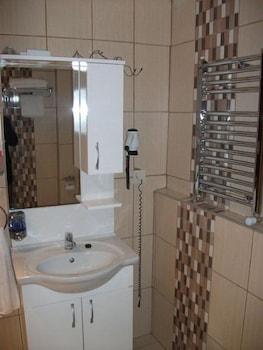 술탄 팰리스 호텔(Sultan Palace Hotel) Hotel Image 42 - Bathroom Sink